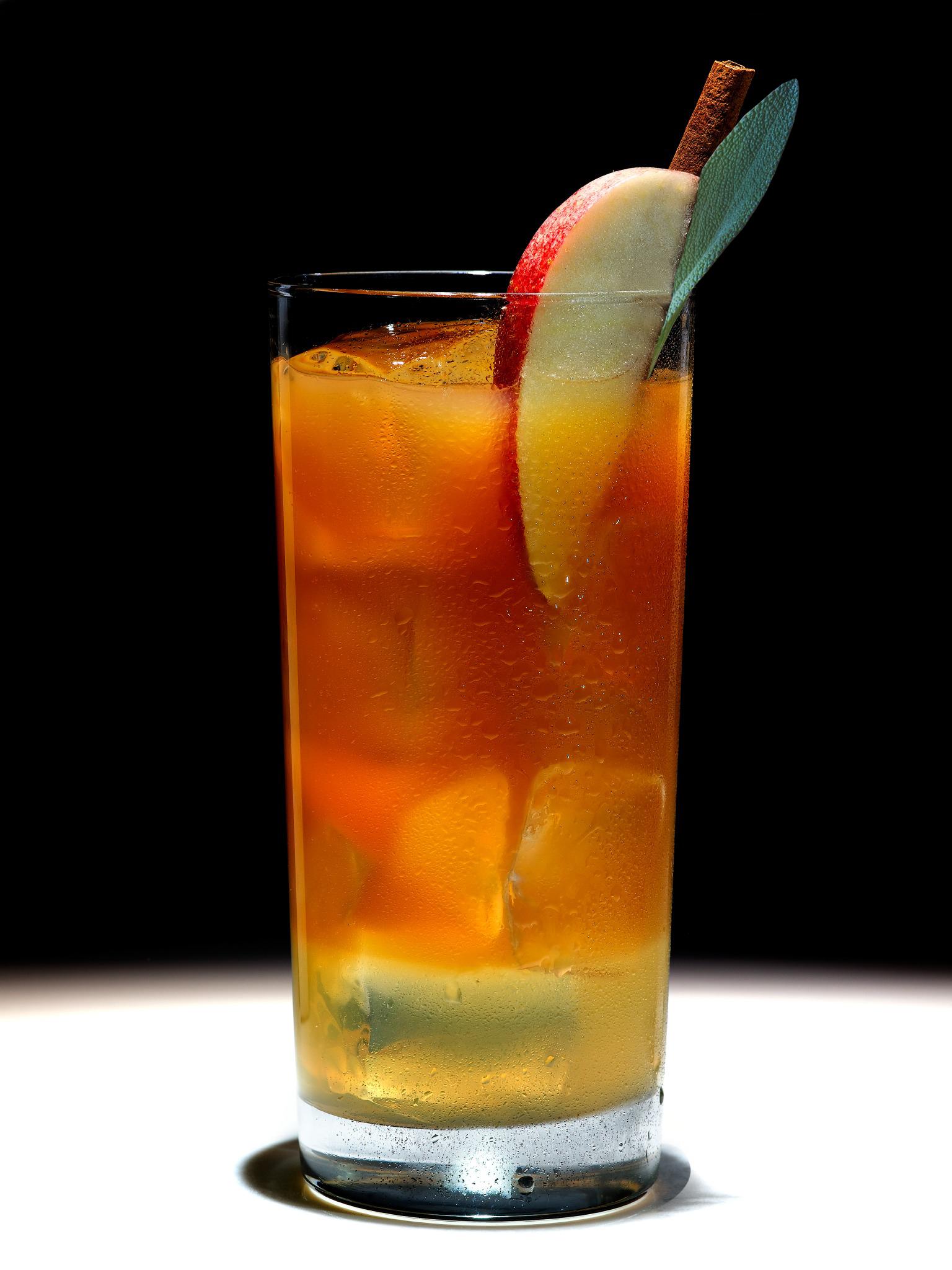 Intense Fall Fusion (Ginger, Apple, Sage, Rum Punch)